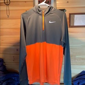 Like new Nike Dri-Fit pullover!